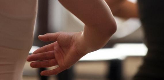 Артрит локтевого сустава - симптомы, причины и лечение в Москве